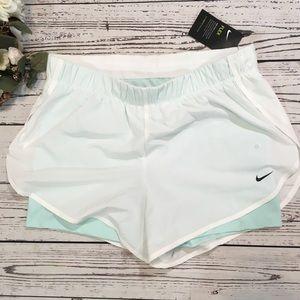 Nike 2 in 1 flex running shorts NWT
